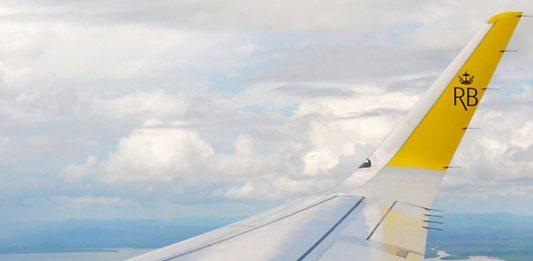 terbang tanpa tujuan